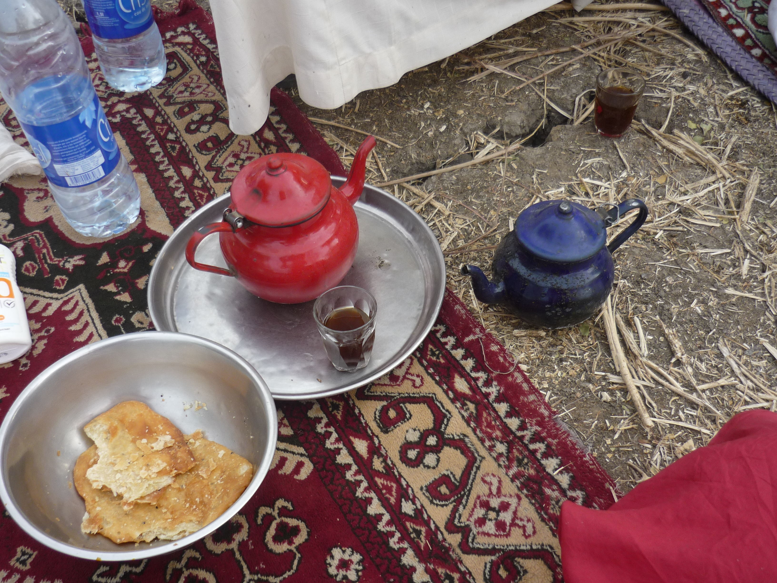 Afternoon tea and gateaux at a ferikh marriage